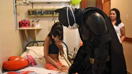 El ciudadano ilustre en acción en un hospital bonaerense
