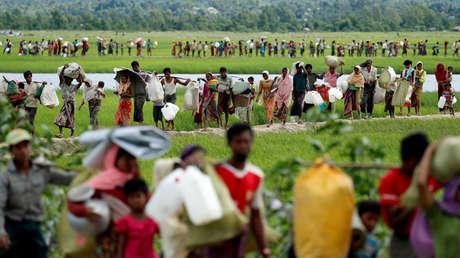 Un desplazamiento múltiple de rohinyás a través de la frontera entre Birmania y Bangladés, el 19 de octubre de 2017
