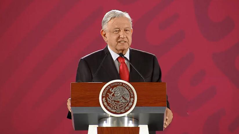 López Obrador revela que recibió una manta con amenazas frente a su casa