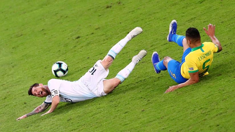 VIDEOS: El VAR y el árbitro, protagonistas en polémicas jugadas en la victoria de Brasil ante Argentina en la Copa América