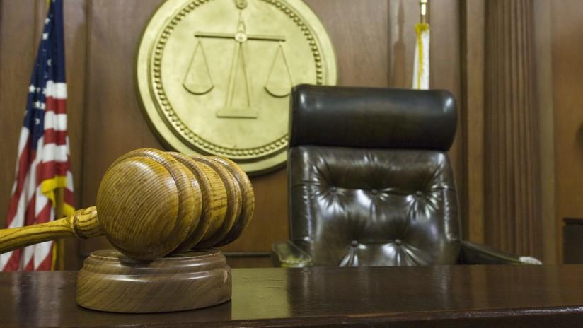 Graba cómo viola a una menor, pero el juez considera que merece clemencia por venir de buena familia