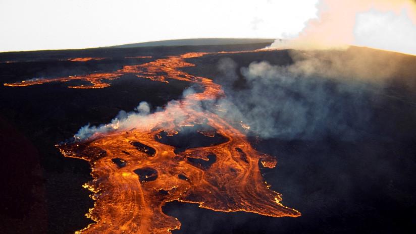 "El volcán Mauna Loa de Hawái entra en alerta ""precautoria"""