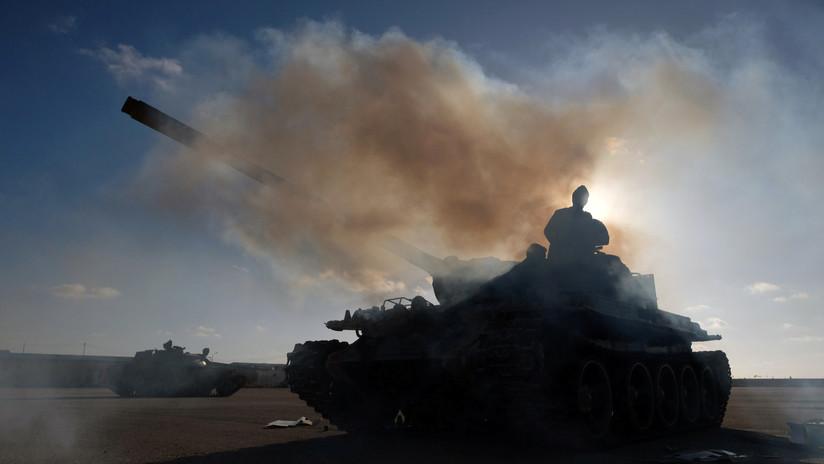 FOTOS: Las fuerzas del mariscal Haftar derriban un avión del Gobierno de Transición de Libia que trató de bombardear la ciudad de Tarhuna