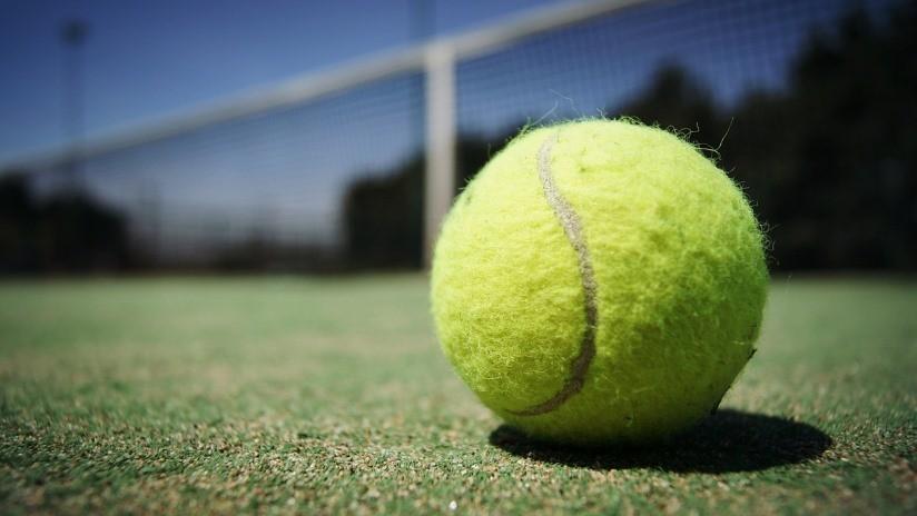 VIDEO: Interrumpido un partido en Wimbledon de manera inesperada al activarse por error el sistema de riego del césped