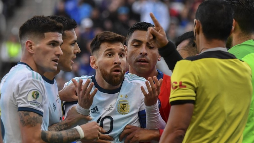 """""""No tenemos que ser parte de esta corrupción"""": Messi estalla contra la Conmebol tras ser expulsado en el partido ante Chile (VIDEO)"""