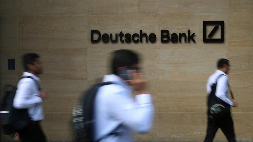 Deutsche Bank empieza a reducir 18.000 empleos como parte de una multimillonaria reestructuración y despide a trabajadores en pocos minutos