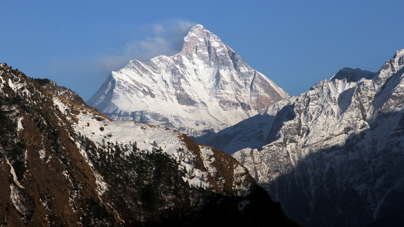 VIDEO: Los últimos momentos de un equipo de alpinistas antes de ser arrastrado por una avalancha en el Himalaya