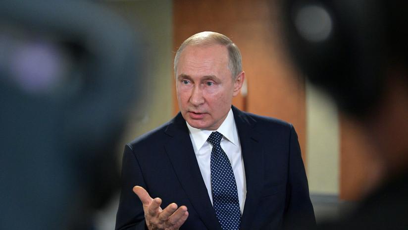 """Vladímir Putin a Oliver Stone: """"El acercamiento entre Rusia y Ucrania es inevitable"""""""