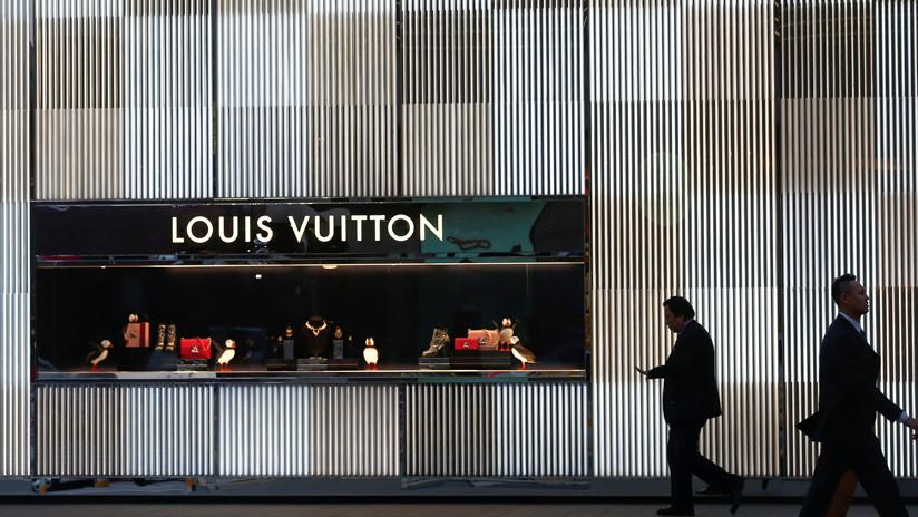 ¿Nuevo caso de apropiación cultural? México reclama a Louis Vuitton por el uso de motivos indígenas en uno de sus sillones