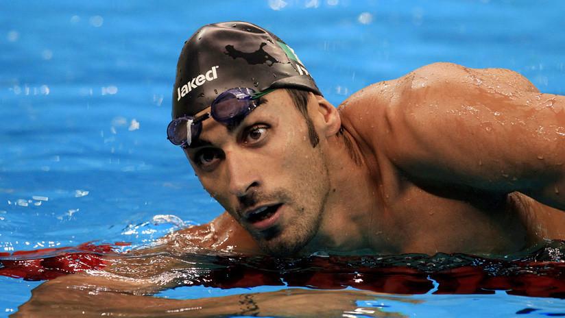 Un nadador olímpico salva a un recién casado de morir ahogado en una playa de Italia