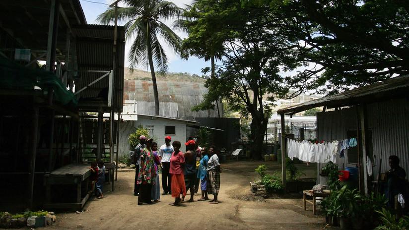 Mujeres embarazadas y niños se cuentan entre las 24 personas masacradas en guerra de tribus en Papúa Nueva Guinea