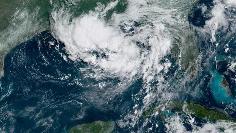 Emiten alerta en EE.UU. por un posible huracán en el Golfo de México