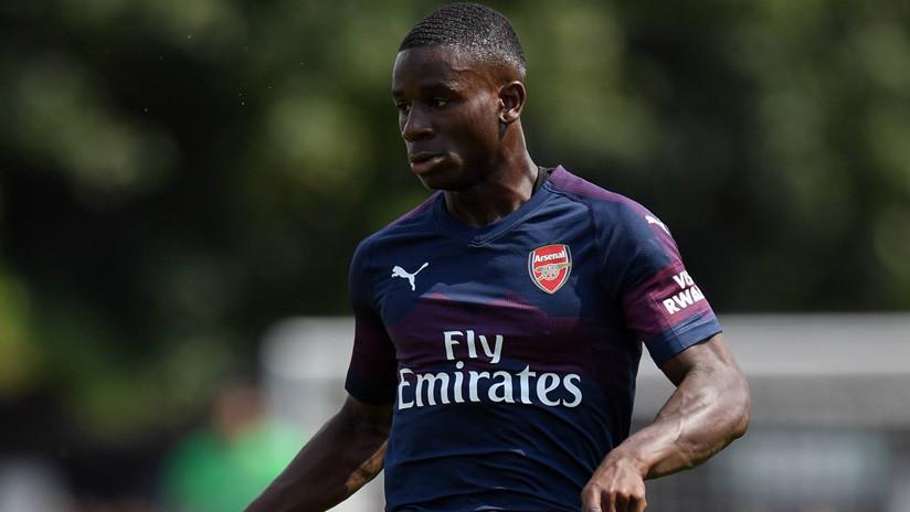 Un futbolista abandona la cancha entre lágrimas por el abuso racial de un rival