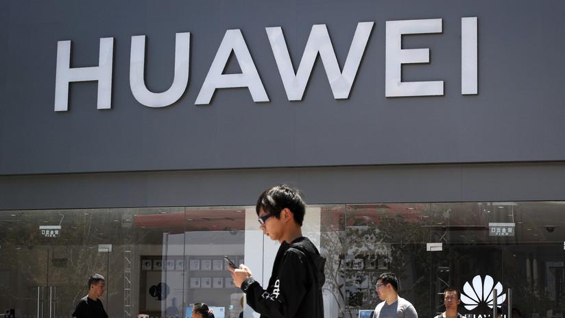 """Huawei presta atención a la tecnología rusa tras las """"acciones hostiles"""" de EE.UU."""