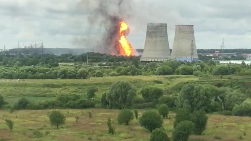 Gran incendio en una central termoeléctrica cerca de Moscú