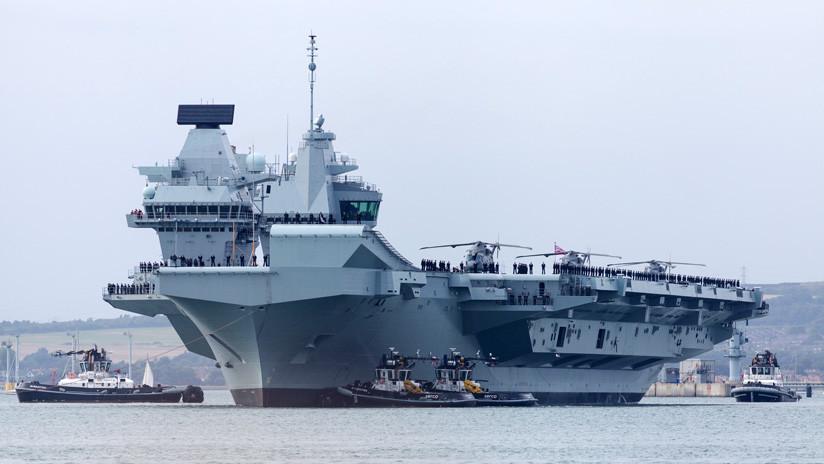 El nuevo portaviones británico HMS Queen Elizabeth vuelve a hacer aguas