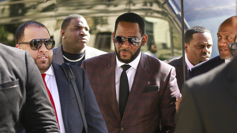 El cantante R. Kelly, arrestado en EEUU por abuso sexual de menores