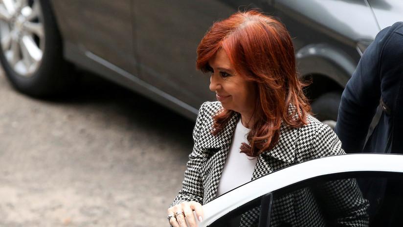 """Cristina Fernández difunde la alerta de un juez sobre causas judiciales """"armadas artificialmente"""" en Argentina"""