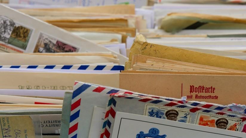Misterio en los Países Bajos tras el hallazgo de miles de cartas enterradas por un cartero en un bosque