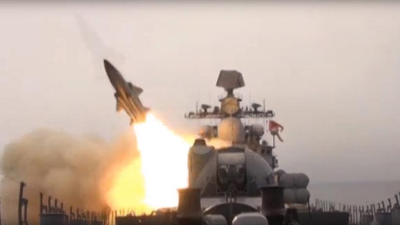 VIDEO: Barcos de guerra rusos lanzan misiles antibuque Moskit en el mar de Japón