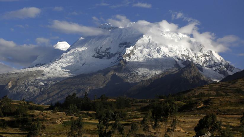 Mueren dos montañistas argentinos al intentar escalar una cumbre en Perú