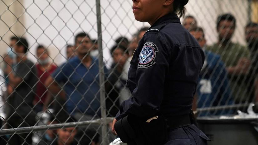 FOTO: Agente fronteriza latina causa furor y controversia en la Red en plena redada antimigrantes en EE.UU.