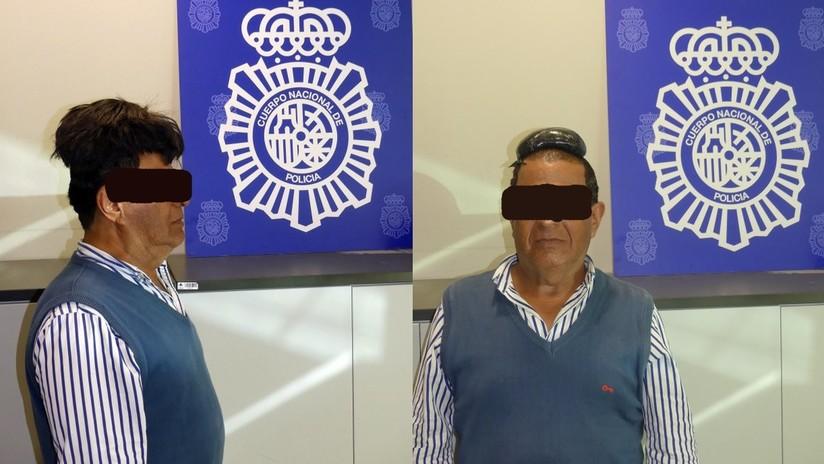 Policía española se burla en Twitter tras arrestar a un hombre con medio kilo de cocaína bajo su peluquín en el aeropuerto de Barcelona (FOTO)