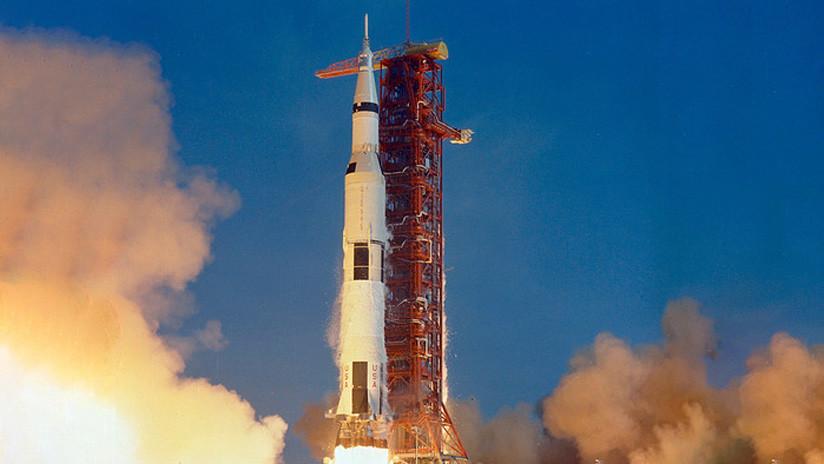 El manual de vuelo del Apollo 11 podría venderse por 9 millones de dólares en la subasta que celebrará el aniversario del aterrizaje lunar