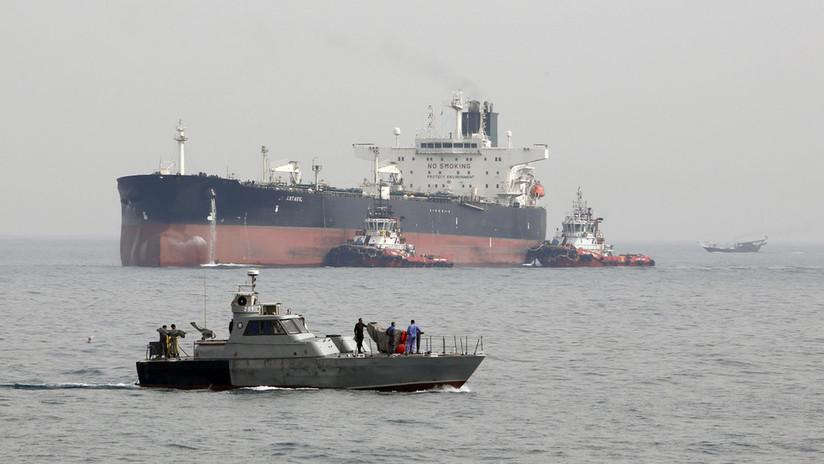 Irán remolca un petrolero extranjero varado en el golfo Pérsico