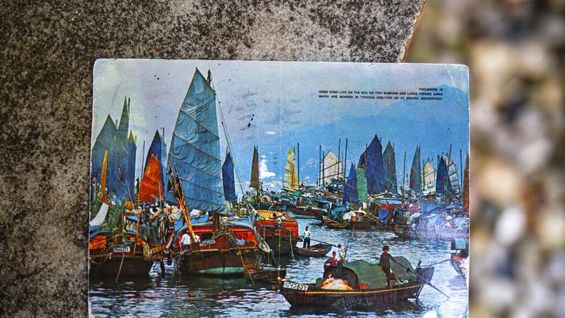 """FOTOS: Una estadounidense recibe """"en perfectas condiciones"""" una postal enviada desde Hong Kong hace 26 años"""