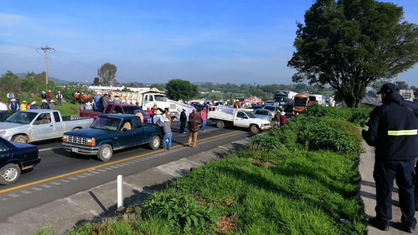 Agricultores mexicanos bloquean las carreteras de casi todo el país en demanda de más asistencia para el campo