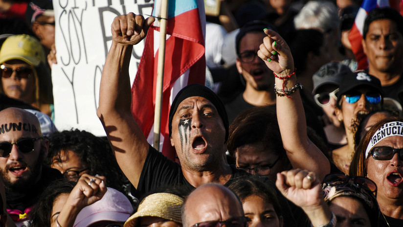 Miles de personas exigen por quinto día consecutivo la dimisión del gobernador de Puerto Rico