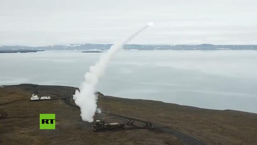 VIDEO: Rusia prueba con éxito la versión 'ártica' de los misiles de defensa aérea Tor-M2DT