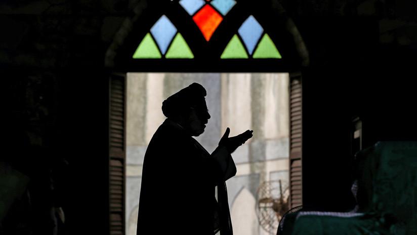 Arrestan a un clérigo musulmán en la India por violar a una niña de 9 años en una mezquita