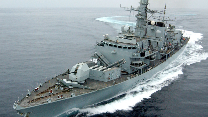 FOTO: Londres afirma que un buque de guerra trató de impedir que Irán incautara su petrolero pero llegó 10 minutos tarde