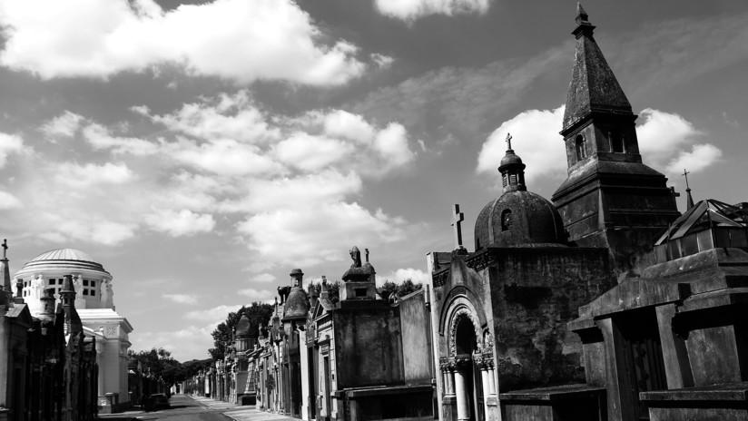 Se roban una estatua de casi media tonelada de un cementerio en Argentina y nadie sabe cómo