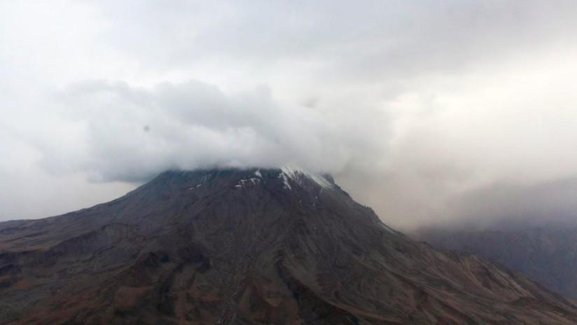 Perú anuncia el estado de emergencia y evacúa a más de 1.000 personas por la erupción del volcán más activo del país