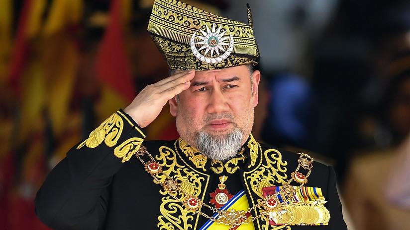 El abogado del exrey de Malasia confirma su divorcio de la 'reina de la belleza rusa'