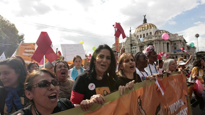 Roban equipo y material de la periodista mexicana Lydia Cacho y envenenan a sus perras