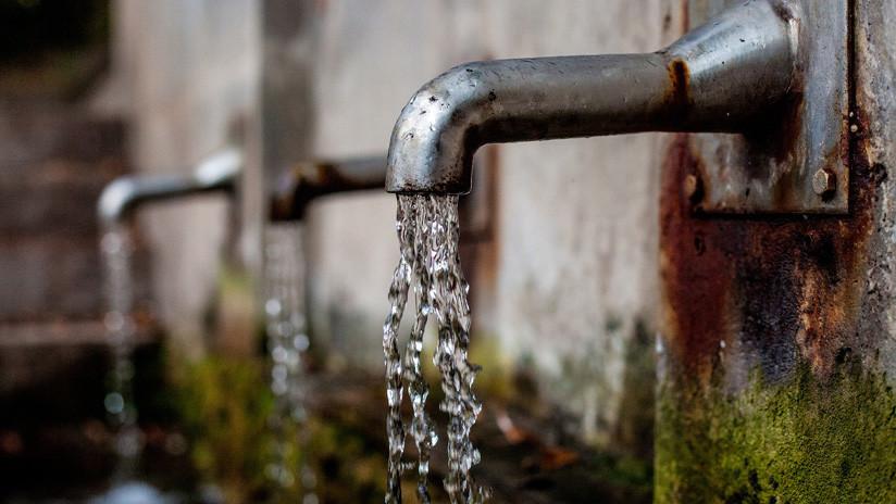 París investiga falsos informes que causaron pánico por supuesta radioctividad del agua potable