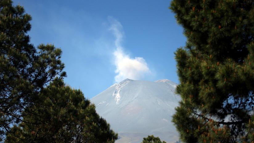 El volcán Popocatépetl registra tres explosiones
