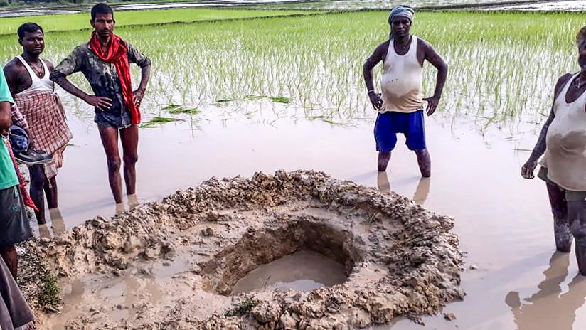 Cae meteorito en arrozal de la India y asusta a los agricultores