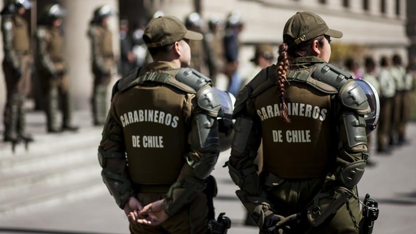 Cinco carabineros resultan heridos al explotar un artefacto en una comisaría en Chile
