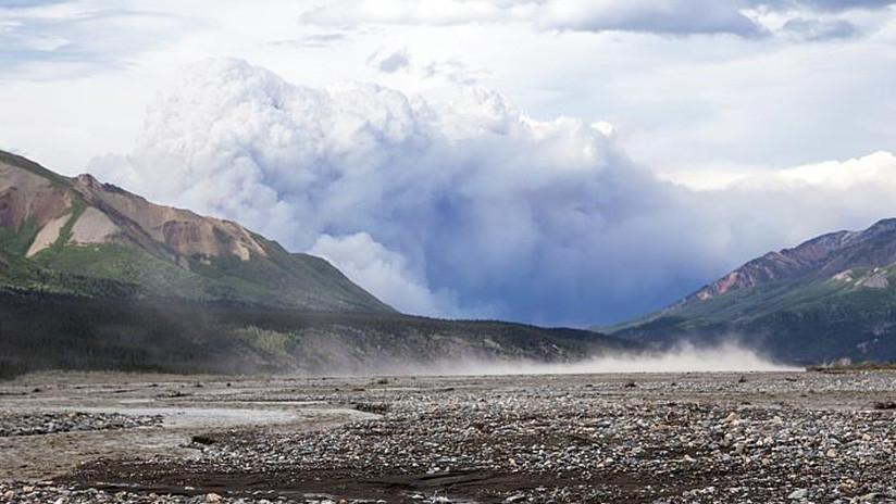El resplandor y el humo de los incendios forestales en el Ártico son tan grandes que pueden ser vistos desde el espacio