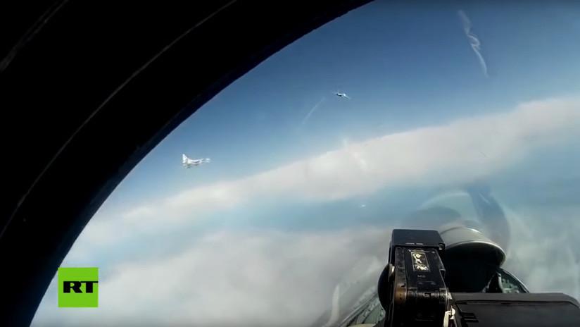 """Medio chino explica cómo dos 'cisnes nucleares' rusos dieron """"una bofetada"""" a la OTAN"""