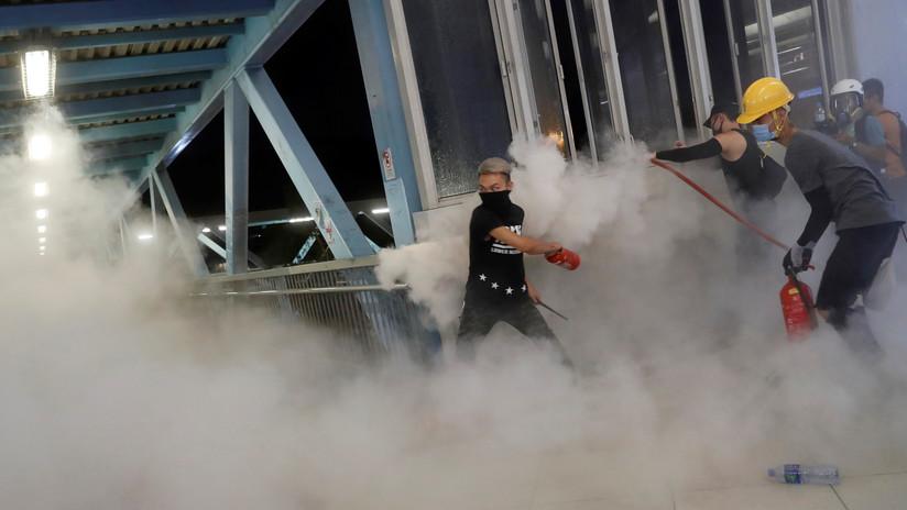 La Policía usa gases lacrimógenos en medio de una nueva ola de protestas en Hong Kong