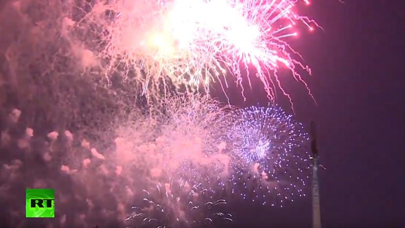 VIDEO: Fuegos artificiales en Moscú por el 75.º aniversario de liberación de Brest