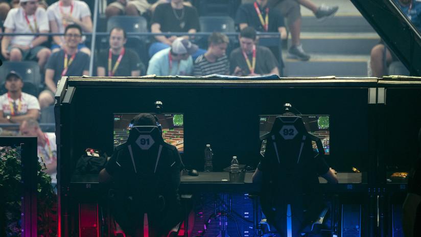 """Un adolescente que """"perdía el tiempo"""" en los videojuegos se hace millonario en el mundial de 'Fortnite'"""