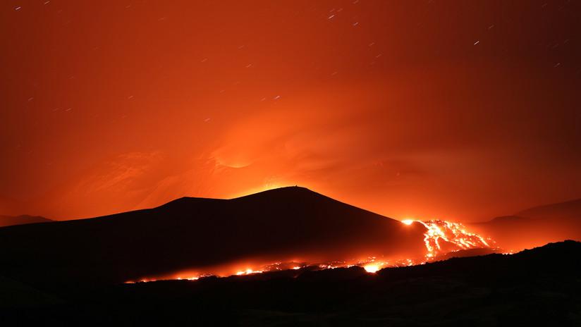 VIDEO, FOTOS: Vuelve a entrar en erupción el Etna, el volcán activo más grande de Europa