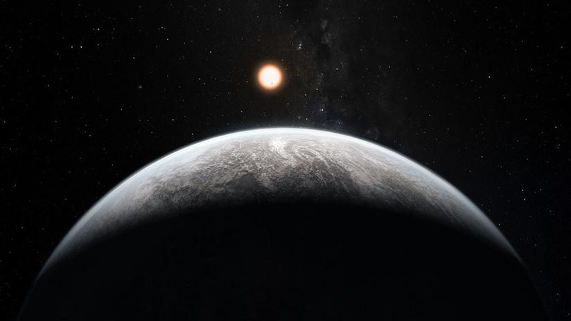"""Hallan un sistema vecino con tres exoplanetas que constituyen """"un eslabón perdido"""" para la astronomía (y uno de ellos puede albergar vida)"""